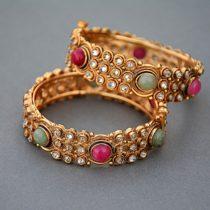 Кольца и ювелирные украшения